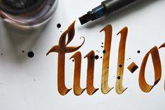+ Tipografia :     Trabalho interessante de Eduard Dimasov.