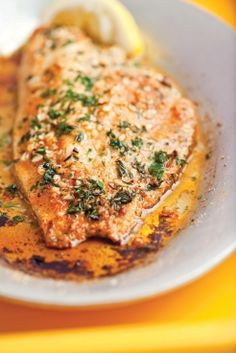 Emeril's Broiled Catfish with Fresh Thyme, Garlic, and Lemon - Healthy Recipes - Fish Recipes Seafood Dishes, Fish And Seafood, Seafood Recipes, Paleo Recipes, Cooking Recipes, Lemon Recipes, Mexican Recipes, Grilled Fish Recipes, Baked Catfish Recipes