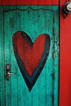 Door heart.La puerta del amor.Hay corazon ,corazon,no me quieras matar corazon.