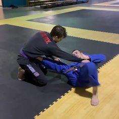 Jiu Jitsu Training, Mma Training, Strength Training, Martial Arts Workout, Martial Arts Training, Martial Arts Quotes, Jiu Jitsu Moves, Jiu Jitsu Gym, Mma Workout