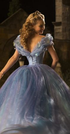 Are you looking for Cinderella 2015 costumes for adults? You'll find Cinderella 2015 costumes and ideas - Cosplay, fancy dress, masquerade, prom, Halloween Cinderella 2015, Cinderella Movie, Cinderella Dresses, Cinderella Pictures, Cinderella Live Action, Disney Princess Dresses, Disney Pictures, Lily James, Robes Disney