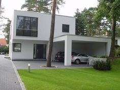 Trendy family house in Brandenburg Carport Modern, Modern Garage, Creative Architecture, Architecture Design, Carport Designs, Weekend House, Property Design, Interior Garden, House Front