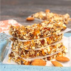 Apricot Almond Energy Bars Recipe - 5 minutes to this simple energy bar recipe, cheaper and easier than store-bought.