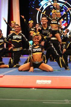 cheerleader-bra-flash
