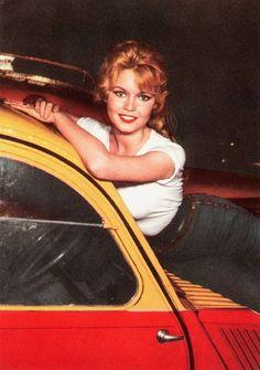 Brigitte Bardot with Citroen Bridgitte Bardot, Citroen Ds, Steeve Mcqueen, Up Auto, Harley Davidson, 2cv6, Vintage Films, Vintage Images, Auto Retro