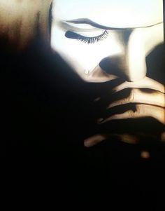 Deze biddende of denkende vrouw is van olieverf gemaakt. Ik hem deze prent ooit voorbij zien komen en kon het niet laten hem na te schilderen.