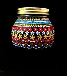 puntillismo, dot to dot art Glass Painting Designs, Dot Art Painting, Mandala Painting, Pottery Painting, Mandala Art, Paint Designs, Stone Painting, Painted Glass Bottles, Glass Bottle Crafts