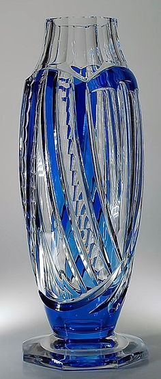 Val St Lambert vase 'Nastes' 1936. Crystal Glassware, Antique Glassware, Crystal Vase, Glass Bottles, Glass Vase, Perfume Bottles, Cobalt Glass, Cobalt Blue, Glas Art