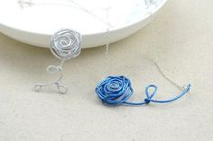 Wire Necklaces Diy A Rose For You And Me • Free tutorial with pictures on how to make a wire necklace in under 120 minutes