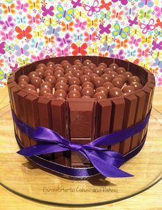 yummmmm malteser and kitkat cake i want i want!!