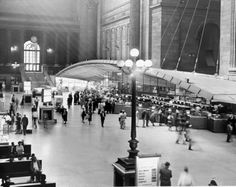 Travelers bustle through Penn Station in 1960.