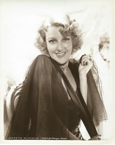 Original, vintage photo of the very beautiful Jeanette MacDonald - ESCANO COLLECTION