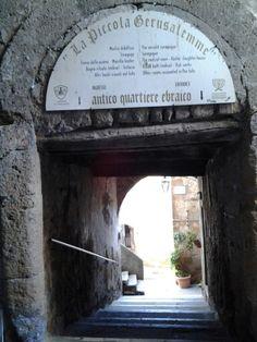 The small Jerusalem in Pitigliano. #maremma #tuscany #tradizioni #traditions