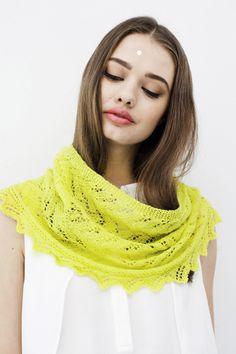 Keltainen pitsihuivi Knitting, Crochet, Shawls, Weaving, Google, Fashion, Beautiful Mind, Nice Asses, Moda