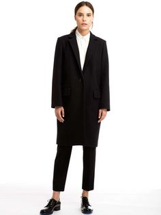 Celebrities who wear, use, or own Zady the Wool Coat. Also discover the movies, TV shows, and events associated with Zady the Wool Coat. Fall Winter Outfits, Winter Fashion, Winter Style, Stylish Winter Coats, Black Wool Coat, Fashion Capsule, Ethical Clothing, Look Chic, Sustainable Fashion