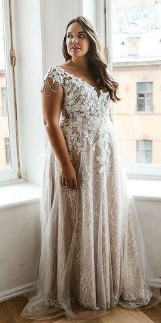 Flattering Wedding Dress, Plus Size Wedding Dresses With Sleeves, Plus Size Wedding Gowns, Dresses To Wear To A Wedding, Boho Wedding Dress, Lace Dresses, Gown Wedding, Dream Wedding, Elegant Wedding