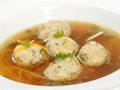 Hovězí vývar se zázvorovými knedlíčky - dia 8,2 S Russian Recipes, Mashed Potatoes, Food Time, Fitness, Salad, Homemade, Meals, Eastern Europe, Cooking