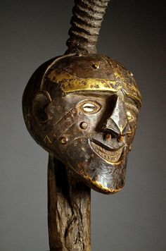 ARTENEGRO Gallery with African Tribal Art » Blog Archive » SUPERB LARGE & RARE SONGYE POWER FIGURE
