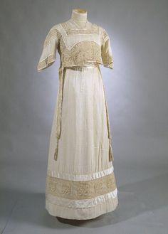 Dress, 1910. Silk satin, cotton lace, silk gauze. Kimono-style gown.