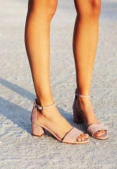 8.Son Moda Yazlık Ayakkabı Modeli