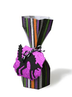 Halloween treat bag made with Lifestyle Crafts dies. #halloween