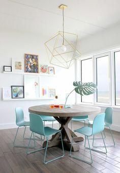 esszimmertische design blaue stühle origineller leuchter