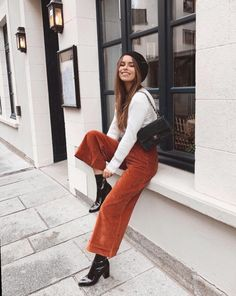Teen Fashion : Sensible Advice To Becoming More Fashionable Right Now – Designer Fashion Tips Fall Winter Outfits, Autumn Winter Fashion, Bohemian Fall Outfits, Holiday Fashion, Fall Fashion, Mode Outfits, Trendy Outfits, Orange Pants Outfit, Dress Pants Outfit