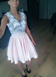 Kup mój przedmiot na #vintedpl http://www.vinted.pl/damska-odziez/sukienki-wieczorowe/14181204-sukienka-lou-dekolt-rozkloszowana