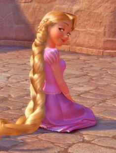 Cool she's doing the smoulder. Hey Eugene im doing the smoulder on you. Disney Princess Rapunzel, Disney Princess Pictures, Tangled Rapunzel, Disney Tangled, Disney Pictures, Disney Magic, Disney Art, Tangled Movie, Disney Icons