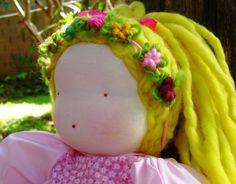 O brincar de bonecas possibilita que a criança se exercite na resolução de problemas, que desenvolva a linguagem e fortaleça suas relações pessoais. O boneco ou a boneca tem espaço preponderante neste brincar, principalmente no que se refere ao campo da afetividade.