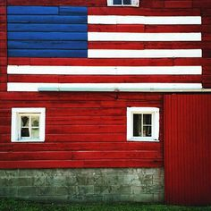 """""""This barn knows what's up. #GoTeamUSA #⚽️ #Fifa #worldcup #fifawwcfinal # #uswnt"""" Photo taken by @zabelita on Instagram, pinned via the InstaPin iOS App! http://www.instapinapp.com (07/05/2015)"""