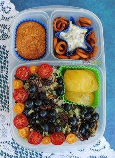 How to pack healthy salads for you and your family. | with @EasyLunchboxes