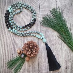 The Abundance Mala teaches you the lesson of gratitude. It lets you recognize the blessing in everything. It helps you see the universe as an infinite source of potential and open your heart to the joy, support and love that are available all around.