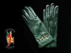 Soft lambskin green leather women gloves with cashmere lining size MAMASITA Mitten Gloves, Mittens, Green Leather, Cashmere, Best Deals, Collection, Fingerless Mitts, Cashmere Wool, Fingerless Mittens
