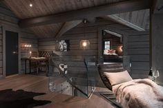 Kvitfjell - Spectacular log cabin with a very high standard, fantastic . Modern Lodge, Modern Rustic Homes, Timber Cabin, Timber Frame Homes, Cabin Homes, Log Homes, Mountain House Decor, Swedish House, Cabin Interiors