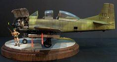 """The Modelling News: Kitty Hawk's dark horse: Building Kittyhawk's 1/32nd scale T-28B/D """"Zorro"""" Trojan"""