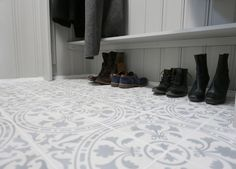 Bilderesultat for fliser gang Tiled Hallway, Shoe Rack, New Homes, Design, Home Decor, Shoe Cupboard, New Home Essentials, Interior Design, Design Comics