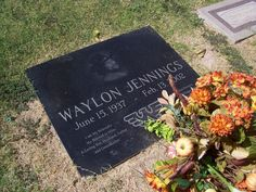 """Waylon Jennings (1937 - 2002) Country music singer, """"Mamas Don't Let Your Babies Grow Up to Be Cowboys"""", """"Luckenbach"""", """"Good Hearted Woman"""", sang the theme song and narrated on the TV series """"The Dukes of Hazzard"""""""