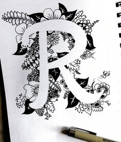 Mandala Doodle, Easy Mandala Drawing, Mandala Art Lesson, Doodle Art Drawing, Simple Mandala, Cool Art Drawings, Zentangle Drawings, Zentangle Patterns, Drawing Sketches