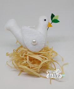 Chaveiro Pombinha branca.  www.elo7.com.br/edefeltro