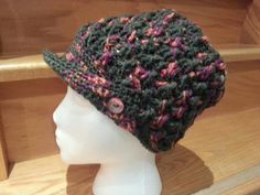 Women's Peaked Hat in another colourway. 100% wool
