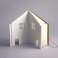 The Dollhouse Book - Moon Picnic