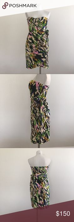Diane von Furstenberg DVF Strapless Dress NWT 4 Diane von Furstenberg Mini Dress strapless wraps in the front and ties on the side. Size 4. Small. Bright print good for summer, Hartie. 100% Silk. Has the Diana von Furstenberg tag, but price label on back of tag is torn off. Brand new. Diane von Furstenberg Dresses Mini