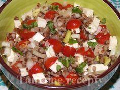 Pohánkový šalát s fetou Raw Food Recipes, Healthy Recipes, Main Meals, Cobb Salad, Quinoa, Health Fitness, Menu, Lunch, Bulgur
