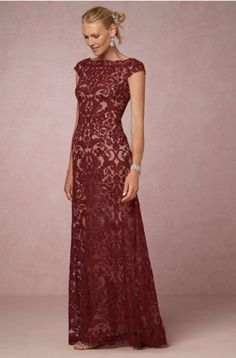 Gorgeous Mother of the Bride Dresses for Fall – mywedding Deep reds are the color of fall, making this dress on-trend. The intricate embroidery overlays create an elegant design for a more formal ceremony. Mob Dresses, Fall Dresses, Bridesmaid Dresses, Dresses With Sleeves, Party Dresses, Bridal Dresses, Chiffon Dresses, Fashion Dresses, Women's Fashion