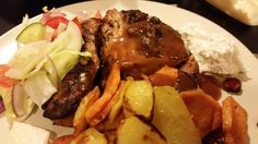 Fläskytterfilé med balsamvinäger i crock pot Swedish Chef, Actifry, Slow Cooker Recipes, Recipies, Crock Pot, Beef, Dinner, Cooking, Amazing