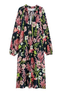 H&M CrÃaped Dress