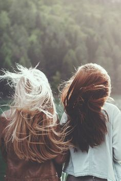 The blonde and brunette -reminds me of my bff and I Bffs, Bestfriends, Pretty Hairstyles, Unique Hairstyles, Hair Goals, Hair And Nails, Her Hair, Hair Inspiration, Hair Beauty