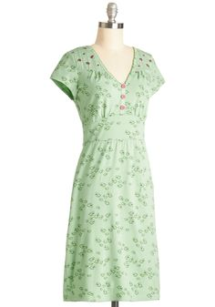 Ornithology Expertise Dress. Eye this bird-print dress by Blutgeschweister and watch your in-depth avian knowledge flow into your fashion sense. #green #modcloth