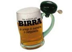 BICCHIERE CAMPANELLO Per ordinare una BIRRA.... Boccale birra in vetro con campanello funzionante sul manico da suonare se il servizio è lento e ti vuoi far sentire!!!!!